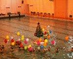 Нептун, Снегурочка и «Ёлка на воде» собрали много зрителей и участников