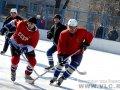 В субботу во Владивостоке стартовал турнир по хоккею среди дворовых команд. Первые результаты. Фоторепортаж