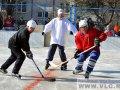 Продолжается борьба за звание лучшей дворовой команды Владивостока по хоккею
