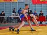 Юные спортсмены состязались на турнире по греко-римской борьбе в Арсеньеве. Видео