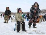 Самого удачливого участника «Народной рыбалки» ждет приз главы Владивостока - сертификат на 50 тысяч рублей