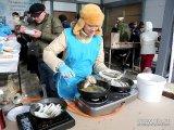 400 литров ароматной ухи из свежей рыбы и 100 литров горячего чая ждут участников «Народной рыбалки – 2014»