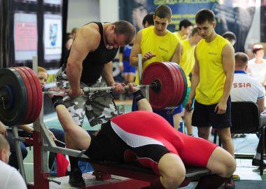 Приморцы вернулись с золотыми наградами с Кубка мира по пауэрлифтингу