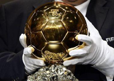 Победитель ЧМ-2014 Йоахим Лев получил награду ФИФА как лучший тренер года