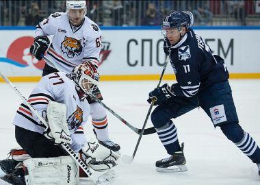Хоккеисты «Адмирала» одержали победу в дерби с «Амуром»