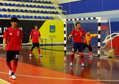 Победителем мини-футбольного турнира среди ветеранов стала команда «Приморавтотранс»