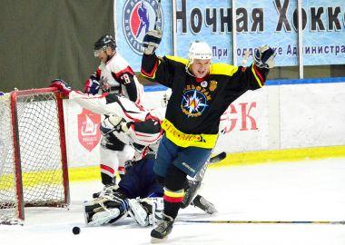 «Вольфрам» в шаге от победы в Ночной Хоккейной Лиге Приморья