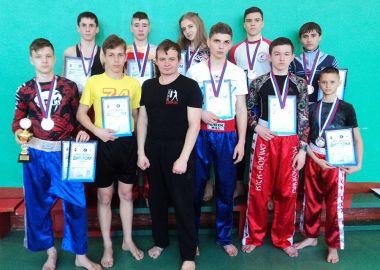 Лесозаводские кикбоксеры завоевали 11 медалей на дальневосточном турнире