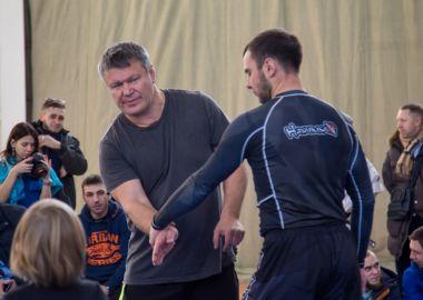 Олег Тактаров провел боевой мастер-класс во Владивостоке