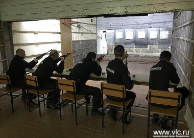 Будущие защитники правопорядка выполняют нормативы комплекса ГТО во Владивостоке
