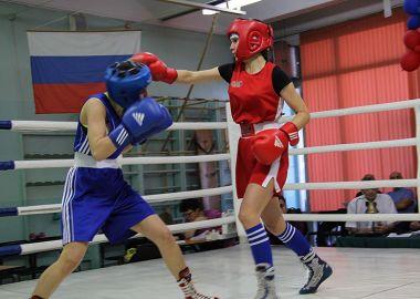 Приморские спортсменки выиграли 32 медали на Чемпионате и Первенстве ДВФО по боксу