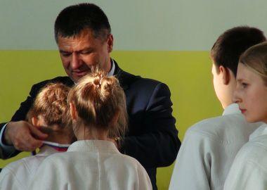 Глава Приморья Андрей Тарасенко наградил лучших дзюдоистов Дальнего Востока