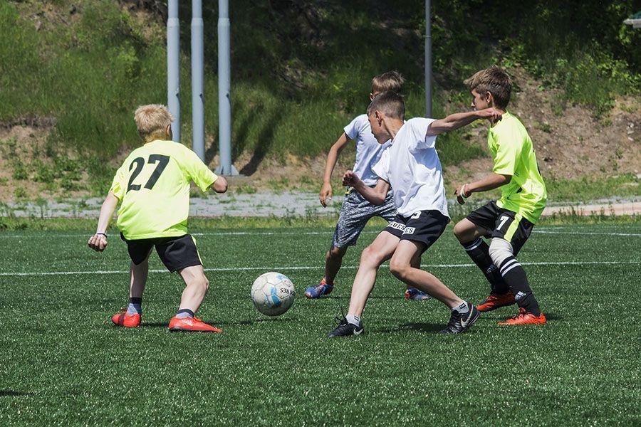 Детские школы по футболу во владивостоке милан