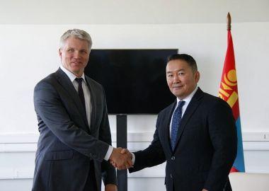 Во Владивостоке состоялась встреча Павла Колобкова и Президента Монголии Халтмаагийна Баттулги