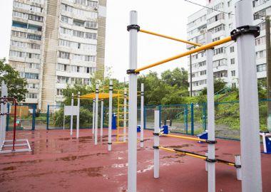 Во Владивостоке приводят в порядок спортплощадки