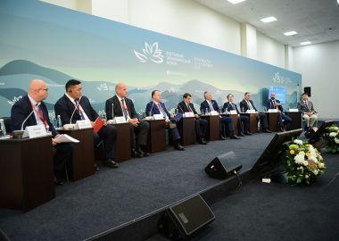 Павел Колобков принял участие в панельной сессии ВЭФ «Мировой спорт сегодня. Взгляд из АТР накануне Токио-2020 и Пекина-2022» во Владивостоке