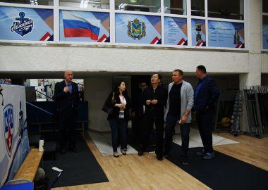 Представительная спортивная делегация из Китая посетила главную хоккейную арену Приморья