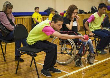 Спорт равных возможностей: команда из Владивостока принимает участие в межрегиональной спартакиаде по бочча