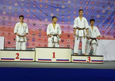 Приморцы выиграли «золото» и «бронзу» на Первенстве России по киокусинкай