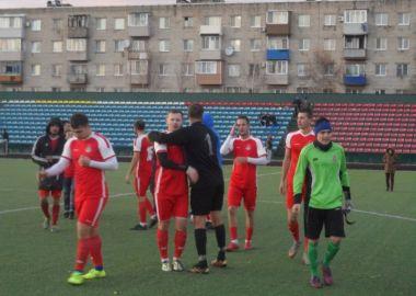 «Локомотив» претендует на «золото» краевого чемпионата по футболу