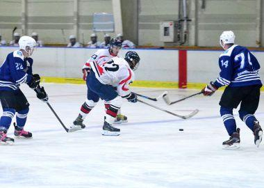 Молодежный дивизион Ночной хоккейной лиги открыл сезон в Приморье