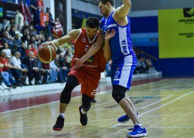 «Спартак-Приморье» выиграл лидера Суперлиги со счетом 103:74