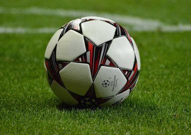 Во Владивостоке состоится футбольный матч между женскими командами