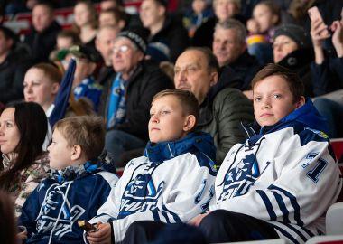 Участники Юношеской хоккейной лиги Приморья посещают домашние матчи «Адмирала»