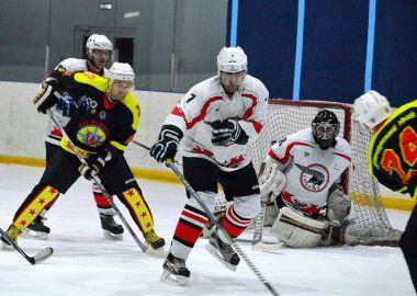 Путевку в Сочи на всероссийский финал НХЛ выиграла команда «Вольфрам»