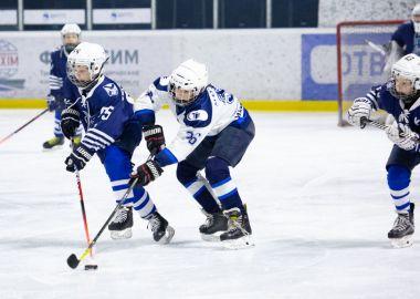 Команды-участницы Первенства Юношеской хоккейной лиги Приморья провели за выходные 13 матчей