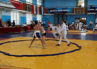 Приморские сумоисты разыграли во Владивостоке награды краевого турнира