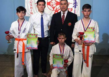 Каратисты посвятили турнир Дню Победы