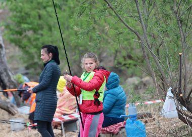 Юные рыбаки попробовали свои силы в первенстве края