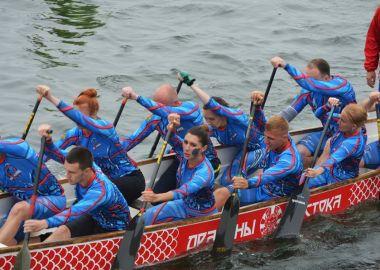 Традиционные соревнования по гребле на лодках