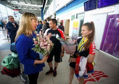 Победительницу первенства мира по пауэрлифтингу встретили во Владивостоке