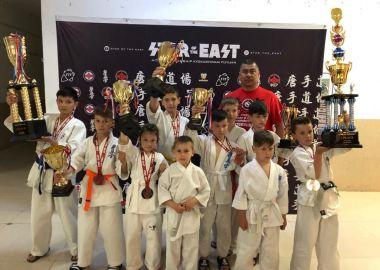 Юные каратисты Лучегорска привезли медали с международного фестиваля в Китае