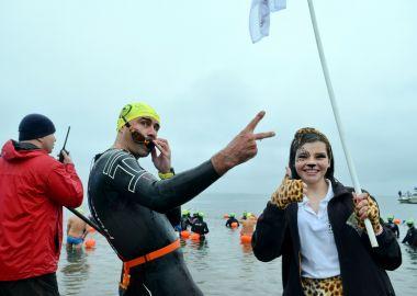 Дальневосточный леопард принес удачу победителям крупнейшего марафонского заплыва