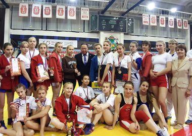 Награды всероссийского турнира разыграли сумоисты во Владивостоке