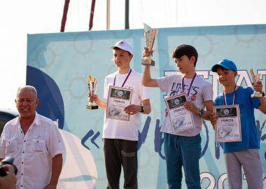 Юных приморских яхтсменов наградят на паруснике «Паллада»