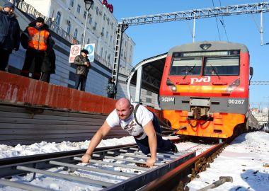 Мировой рекорд по буксировке электропоезда установили в Приморье