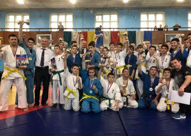 Кубок города по кудо разыграли во Владивостоке