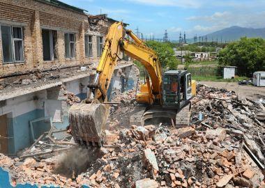 Губернатор Приморья оценил ход реконструкции гребной базы в Лозовом