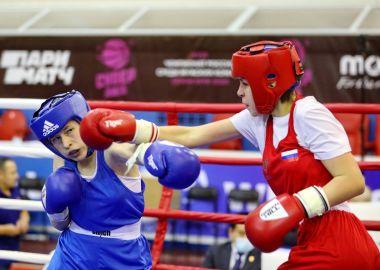 Приморские спортсменки заняли первое командное место в первенстве ДФО по боксу